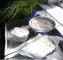 Homemade fresh cheese and chives
